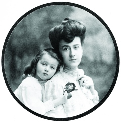 Edith_Vanderbilt_with_daughter